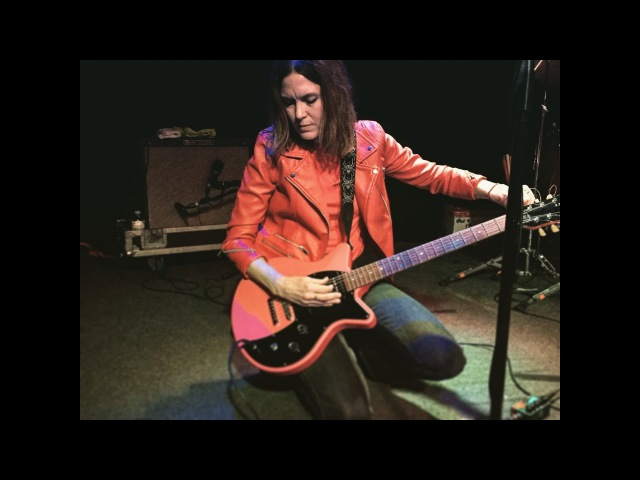 Juliana Hatfield - live at Jammin' Java 4.25.17 in Vienna Va.