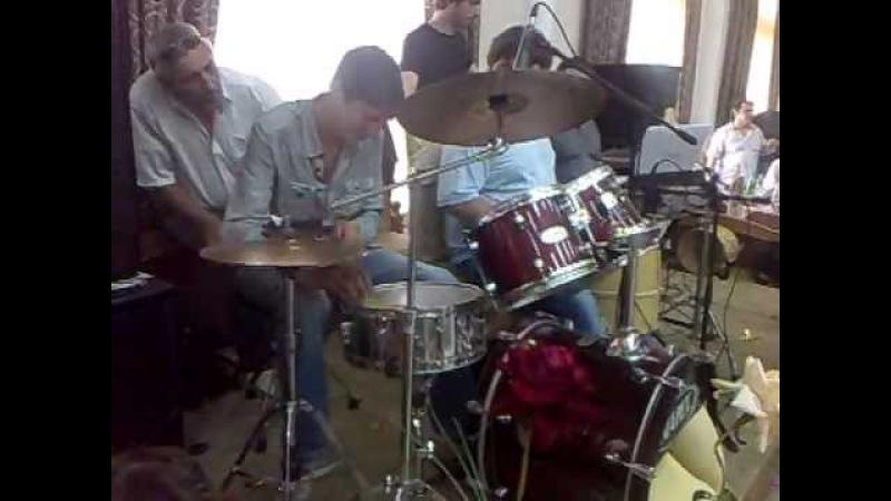 Свадьба Махмуда 07 07 2012 Шабан барабанщик виртуоз
