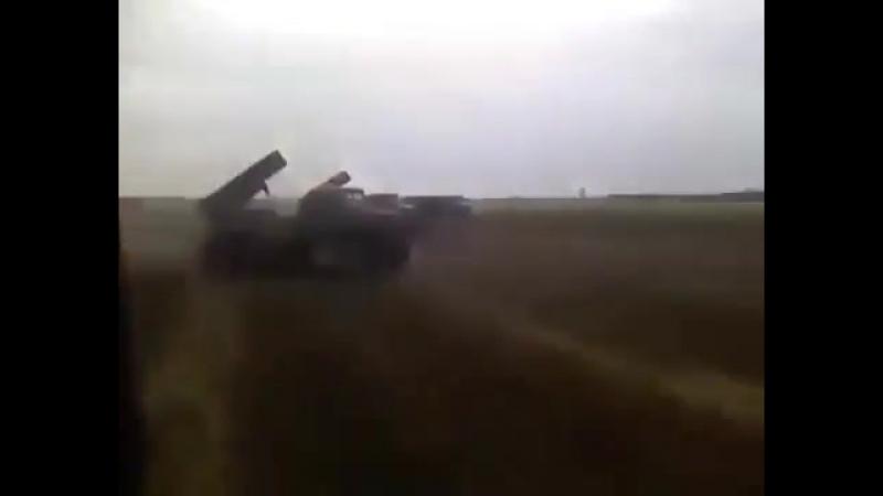 Братский народ?! По бляму укроповскому хутору по 20 снарядов залпом, огонь! уничтожить пидарасов!
