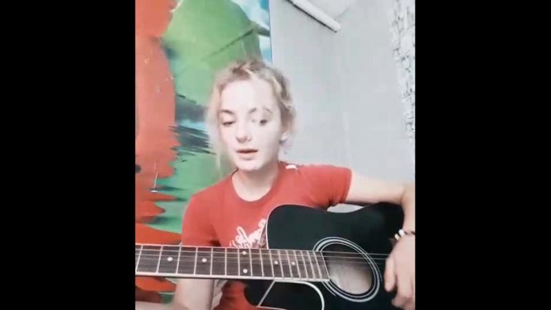 мне кого-нибудь с голосом хорошим еще))
