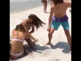 Girls In Bikinis Fight On Beach After One Hooked Up With Her Boyfriend