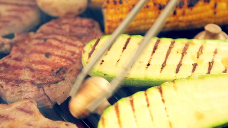 Только охлажденное мясо на настоящих углях