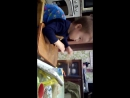 Аскарик кушает хлеб