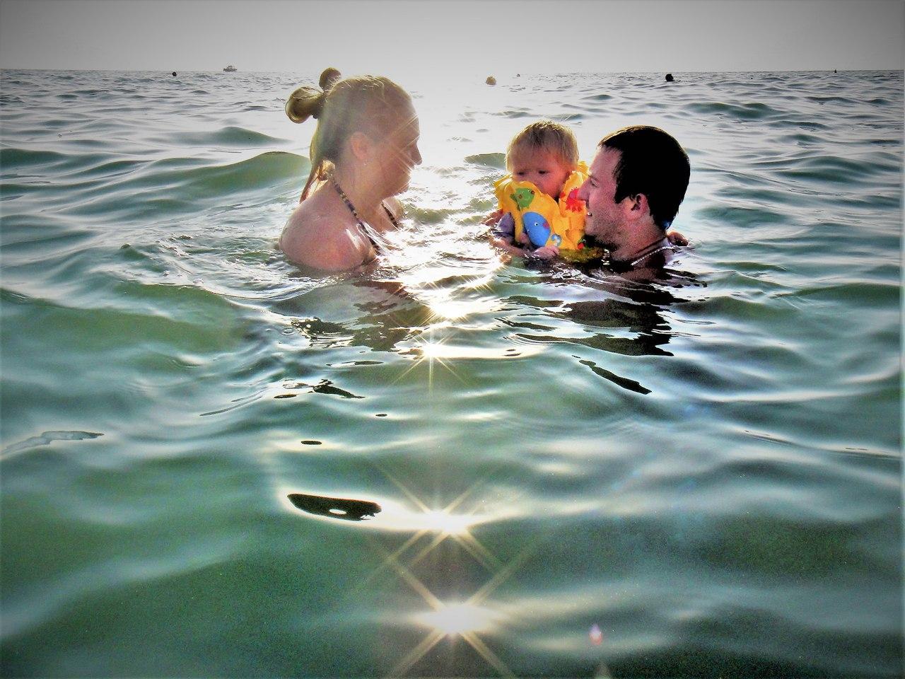 семья, море, отпуск, счастье, Лоо, ребенок в спасике