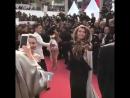 Регина Тодоренко  устроила танцы на красной дорожке Каннского кинофестиваля