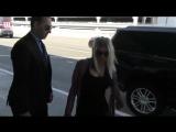 18 октября Фёрги покидает Лос-Анджелес