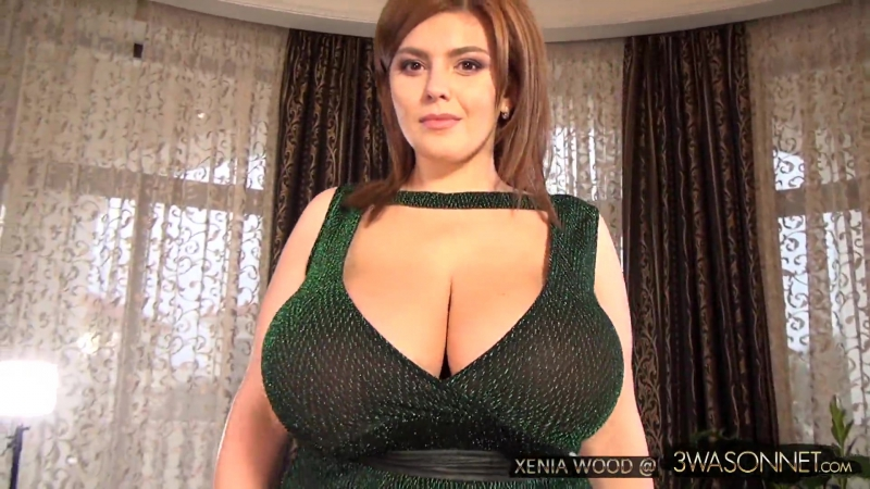Xenia Wood (aka Нина Потрапелюк) - Bare Breasts In Green Dress (18.04.2017) [HD 1080, Big Tits, Busty, Model, Пышки, Украинки]