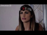 Superheroines: Wonder Woman fighting 2 enemies