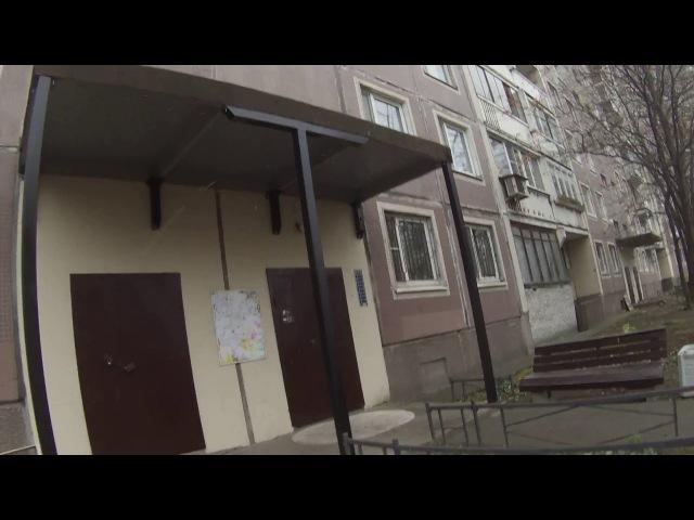 Территория ЖКХ. 504 - серия дома, козырек над входом.