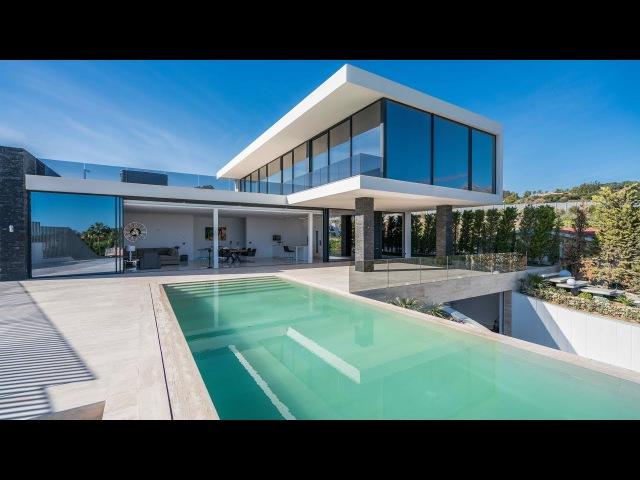 New Modern Villa in Nueva Andalucia Marbella Spain