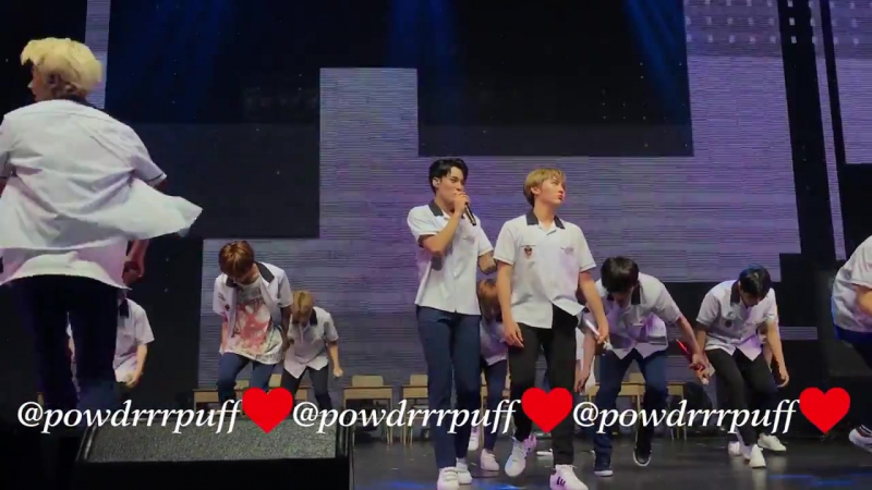 FANCAM - SEVENTEEN - Mansae (만세) - DIAMOND EDGE TOUR - Dallas 170823
