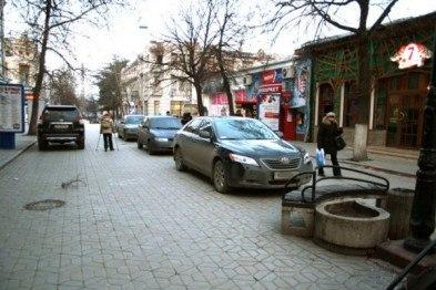 В Симферополе стало мало место для транспорта