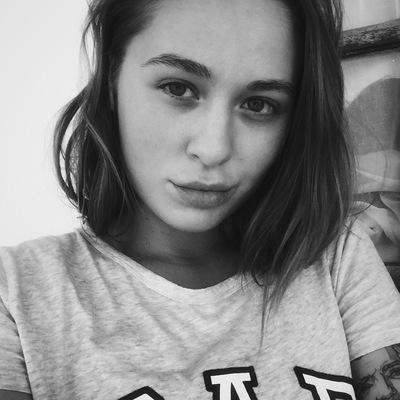 Аня Чемарова
