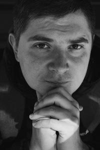 Денис Азаров