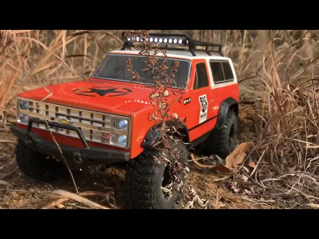 Vaterra 1986 K-5 Blazer Ascender | Trail in the wilderness