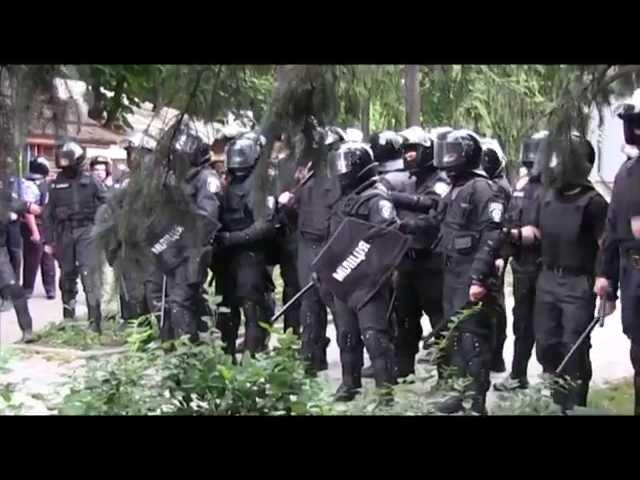 Милиция пресекает беспредел активистов Майдана