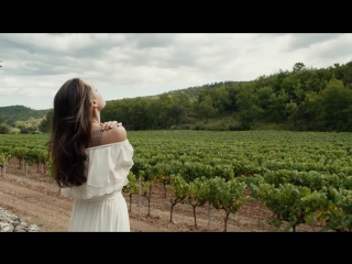 Mon Guerlain - Angelina Jolie in Notes of a Woman - (Long Version)