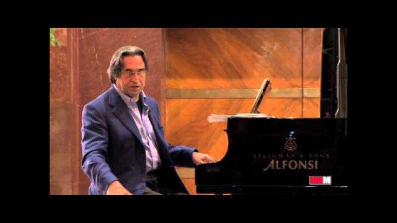 Riccardo Muti al pianoforte spiega LAttila di Giuseppe Verdi