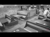 Пьяному жителю Волжского не дали взорвать гранату в кафе