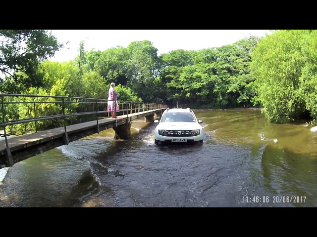 Green Lane Driving With 3 Dacia Dusters - Moreton Ford Crossing By Three Dusters