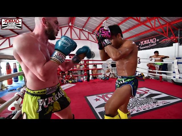 Manachai sparring with Dzhabar Askerov - YOKKAO Training Center Bangkok
