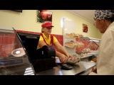 Известная многим торговая сеть «Челны птица» продолжает расширятся. В Нефтекамске открылся магазин, где в одном месте можно купить практически все виды мяса и его продукции.
