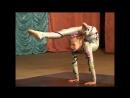Сольный гимнастический танец от Алисы на сцене