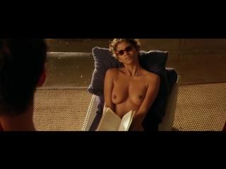 Halle Berry Flash! Ah! Ah! her boobs