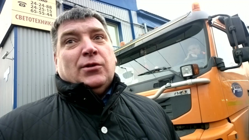 2017-10-23- ПДУ докупили 9 КДМ, 3 УАЗика и 8 тракторов МТЗ со шнекороторами