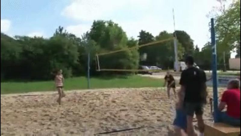 Волейбол-это хорошо,но хочется.........