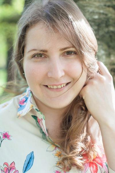 Анна Власова