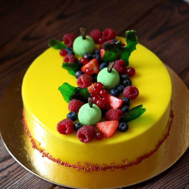 Чем покрывать ягоды на торте