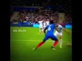 Paul Pogba vs Gary Cahill