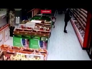 В Уфе 16-летний подросток порезал двух продавщиц супермаркета