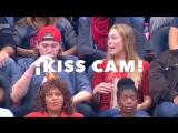 Девушка проучила парня, который не стал ее целовать
