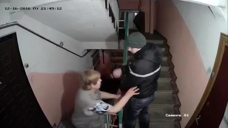 sosed-snyal-na-kameru