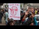 Кіроўная партыя Зімбабвэ адзначыла сыход Мугабэ танцамі і песнямі I Мугабе отпели Белсат