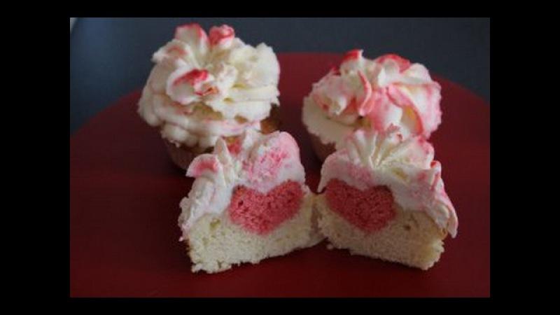 капкейки с сердечком дню св Валентина Valentinstag Muffin mit Herz
