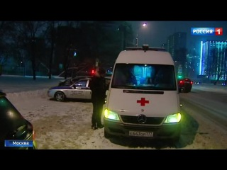 Вести.Ru: Нападение на скорую в Москве: водителя неотложки избили прямо за рулем