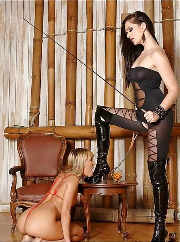 Смотреть раб и госпожа в чулках пошла