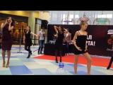 Видео #8 100 девушек станцевали в ТЦ Ауре перед жюри конкурса Мисс Европа плюс