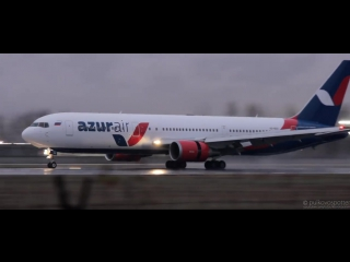 Boeing 767 Азур Эйр _ Посадка в дождь на мокрую полосу