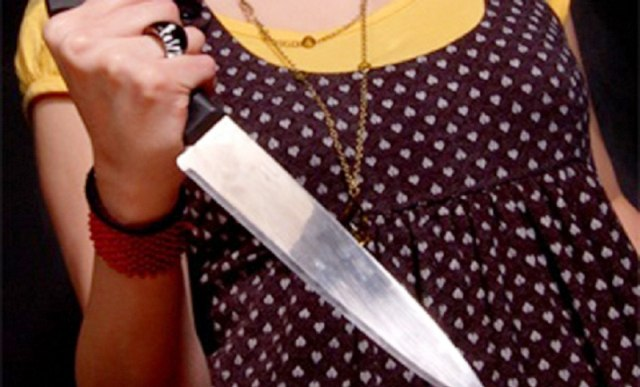 Под Таганрогом мать нанесла несколько ножевых ранений своей дочери