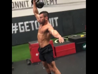Single rep snatch, with squat reset! 5 each arm! 5 rounds! This is an advanced movement, so perform with caution!