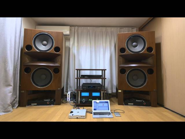 KENRICK SOUND custom made walnut stands for Mr. Mori's Rey Audio RM-8V ケンリック製レイオーディオ用特注スタンド