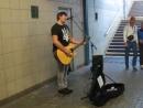 Wolf Поет в переходе метро Скрябина Місця Щасливих Людей - Kuzma Skryabin subway