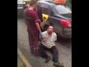 Таксист в наручниках