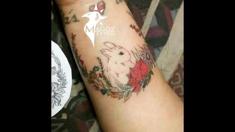 кролик с цветами