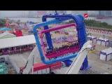 В Гонконге построили необычный аттракцион с несколькими осями вращения
