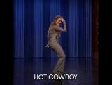 Танец горячего ковбоя в исполнении Дженнифер Лопес